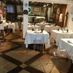Ristorante dining room
